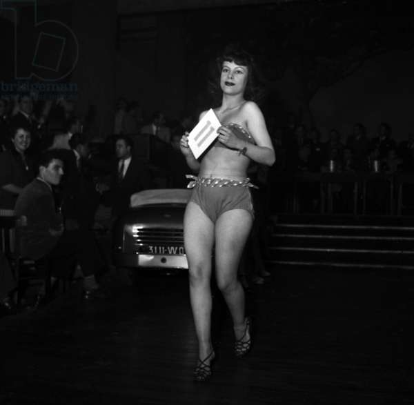 Candidate during The Election of Miss Car 1949, December 03, 1949 (b/w photo)