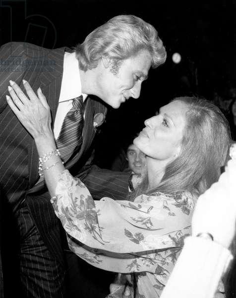 Johnny Hallyday and Dalida on October 13, 1977 (b/w photo)