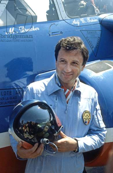 Tvhost Michel Drucker April 27, 1990 With French Patrol Plane (photo)
