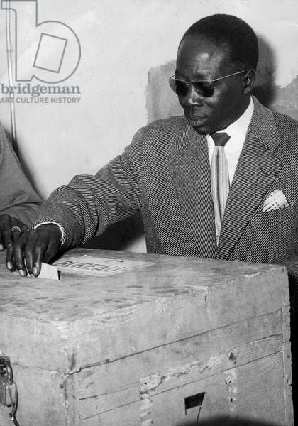 Senegalese President Leopold Sedar Senghor Voting in Thies (Senegal) on March 3, 1963 (b/w photo)