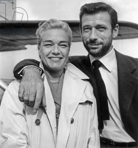 Simone Signoret and Yves Montand on July 23, 1956 (b/w photo)
