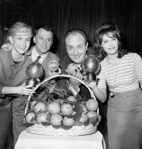 Marie Dubois, Georges De Caunes, Pierre Tchernia and Dalida at Prize Giving (Orange Prize) on February 28, 1964 (b/w photo)