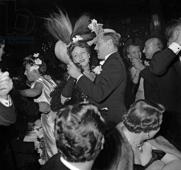 Fiftieth anniversary of Maxim's (restaurant), Paris, June 1st, 1949 : Nadia Grey dancing with Mr Nepo (b/w photo)