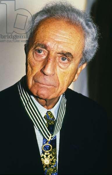 Italian Film Maker Michelangelo Antonioni Receives Medal of Honour in Paris, 1992 (photo)