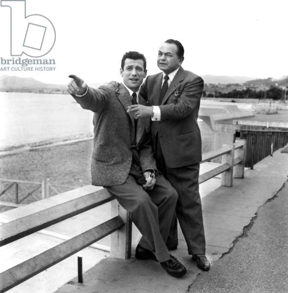 Cannes Festival, April 1953 : Actors Yves Montand and Edward G. Robinson (b/w photo)