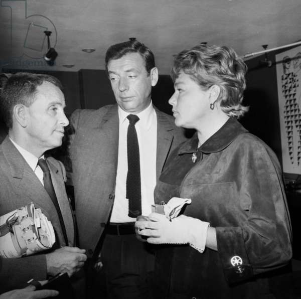 Jacques Canetti With Yves Montand and Simone Signoret Before Their Departure For Usa September 21, 1961 (b/w photo)