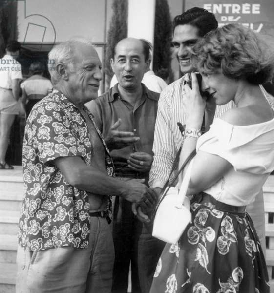 Painter Pablo Picasso in Cannes, October 1949 (b/w photo)