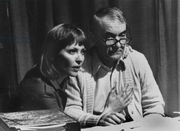 Anna Karina Et Jean Carmet Sur Le Plateau Du Film