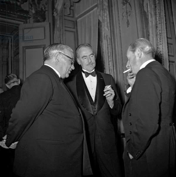 Conference of 4 ministers of Foreign affairs (USA, France, USSR, UK about Germany), diner at the Elysee, Paris, May 25, 1949 : Ernest Bevin and Dean Acheson (b/w photo)