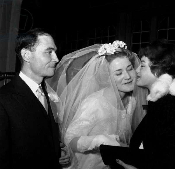 Romy Schneider Kissing her Half Sister Evelyne Blatzheim After Eb'S Wedding With John Baylor in Paris April 10, 1958 (b/w photo)