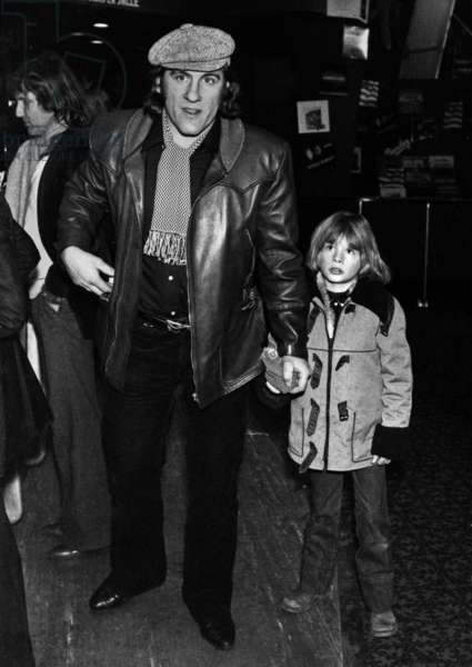 Gerard Depardieu Et Son Fils Guillaume Au Concert D'Eddymitchell A L'Olympia Le 7 Fevrier 1979 --- Gerard Depardieu and his Son Guillaume at Eddymitchell'S Concert at The Olympia in Paris on February 7, 1979 (b/w photo)