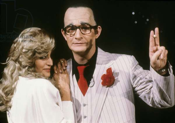 Linda De Souza Dressed Up As Dalida and Patrick Sebastien Dressed Up As Jacques Chirac during TV Programme in August 1986 (photo)