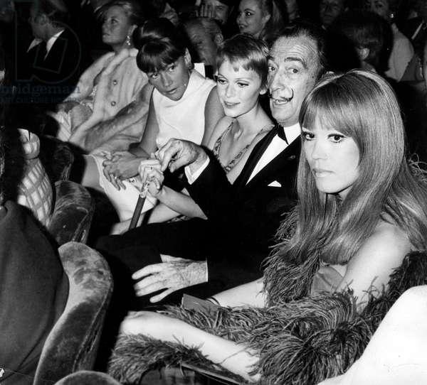 L-R Gerard Oury Michele Morgan Sophie Litvak Mia Farrow Salvador Dali Et Amanda Lear at A Show on April 20, 1970 (b/w photo)