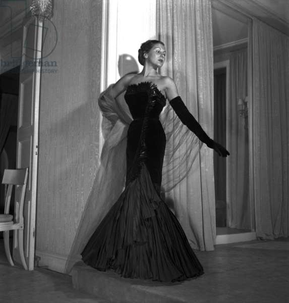 A Dress By Marcel Rochas For Autumn/Winter Collection 1950-1951 (b/w photo)