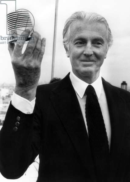 Hubert De Givenchy Receiving The Fashion Golden Dice (Best Fashion Collection of The Season) January 28, 1982 (b/w photo)