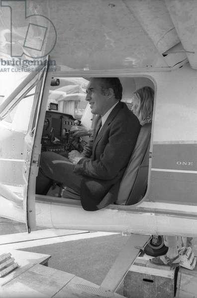 L'acteur français Michel Piccoli sur le tournage du film d'AlainCavalier «Heartbeat» à Saint Tropez le 21 juin 1968