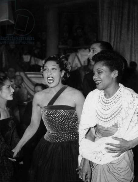 Josephine Baker and American Choreographer Katherine Dunham in Usa on December 17, 1948  (b/w photo)