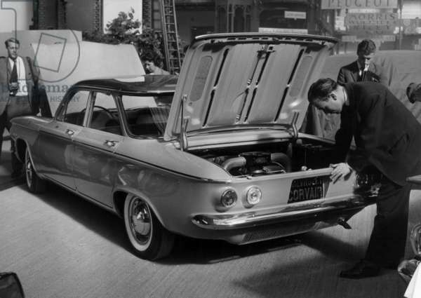 """Paris Motor Show on September 30, 1959 : """"Corvair"""" (American Car With Motor in The Back) (b/w photo)"""