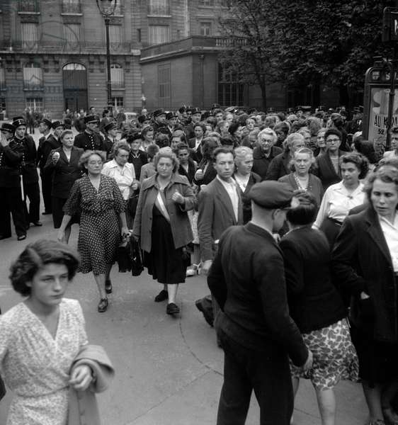 Demonstration of communists women against Indochina war in Paris, September 30, 1949 (b/w photo)