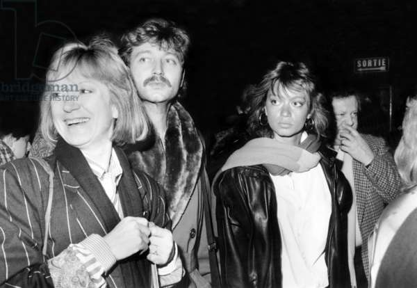 French Singer Alice Dona With Presenter Laurent Boyer and Raphaelle Ricci, 1986 (b/w photo)