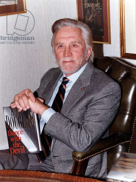 After A Career As Actor, Kirk Douglas Presents his Novel Dance With The Devil in 1990 (photo)