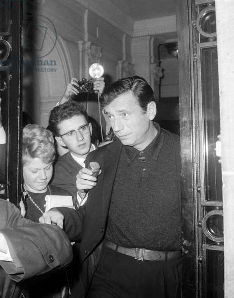 Yves Montand on October 11, 1963 in Paris (b/w photo)