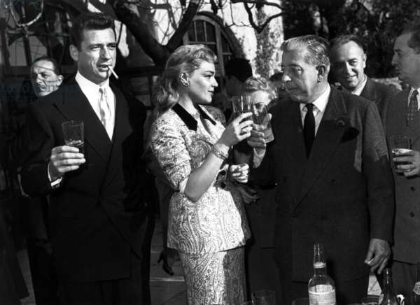 Yves Montand and Simone Signoret marrying in Saint-Paul-De-Vence (France) December 22, 1951, with Jacques Prevert, Paul Roux and Marcel Pagnol (b/w photo)