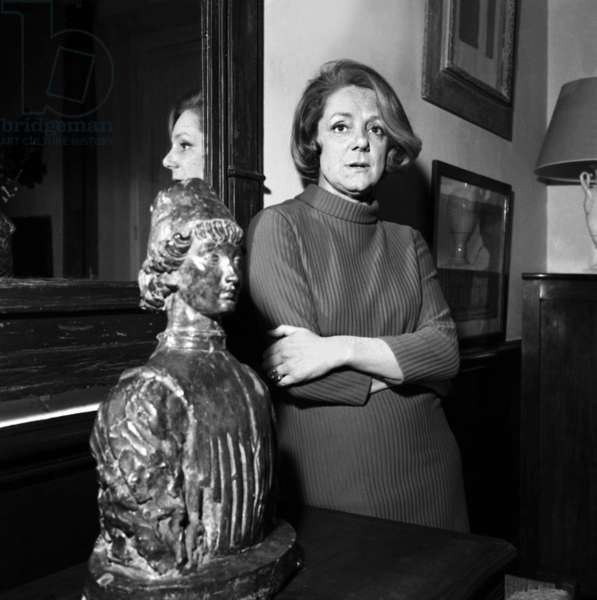 French Actress Denise Gence at home on February 9, 1967 (photo)