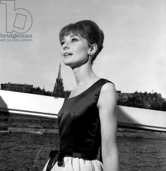 "Actress Audrey Hepburn on the set of the film ""Paris, When It Sizzles"", 13 July 1962 (photo)"