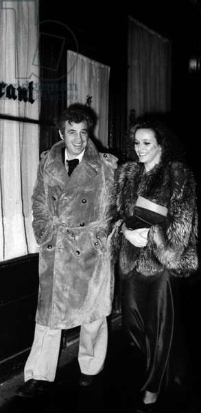 Jean Paul Belmondo and his girlfriend Laura Antonelli going at the Alcazar for New Year's Eve, Paris, 31 December 1975 (photo)