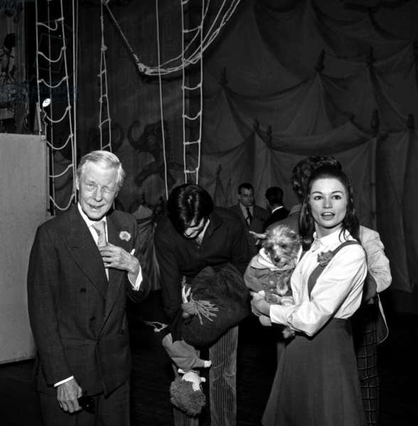 """Duke Edward of Windsor (former king Edward VIII), Jean-Claude Drouot and Christine Delaroche during the rehearsal of the musical """"Mouche"""", Paris, 9 November 1966 (photo)"""