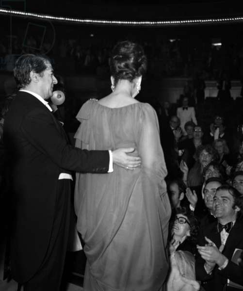 Recital of Maria Callas on December 7, 1973, theatre des Champs Elysees, Paris : Maria Callas and Giuseppe Di Stephano (photo)