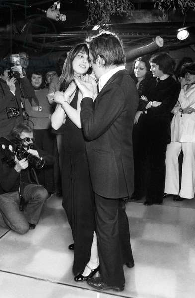 """Serge Gainsbourg and Jane Birkin going to the new dance show """"Decadanse"""", Club St Hilaire, Paris, 6 January 1972 (photo)"""