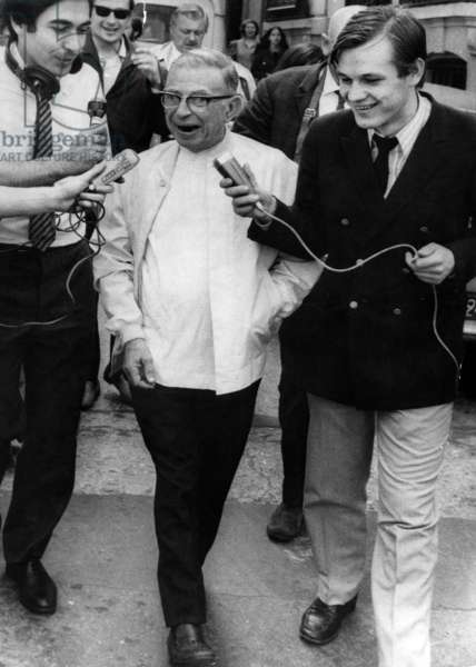 """Jean-Paul Sartre , Among Journalists When Released From Police Station in Paris After He and Simonedebeauvoir Were Arrested Because They Distributed """"La Cause Du Peuple"""" (The Newspaper of The Forbidden Organization """"The People'S Cause"""") June 26, 1970 (b/w photo)"""