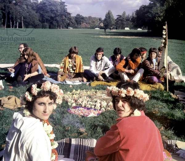 Hippy wedding in Bois de Boulogne, Paris, October 1967 (photo)