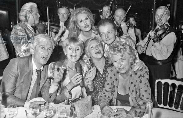 Marcel Amont, Annie Cordy, Dalida, Line Renaud, Helene Martini, Jacqueline Maillan: Helene Martini celebrating her 10 years in directing the Folies Bergere, Paris, 3 June 1985 (photo)