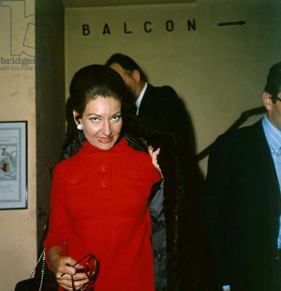 """Maria Callas after the Press Conference presenting the film """"Medea"""", Paris, 31 January 1970 (photo)"""