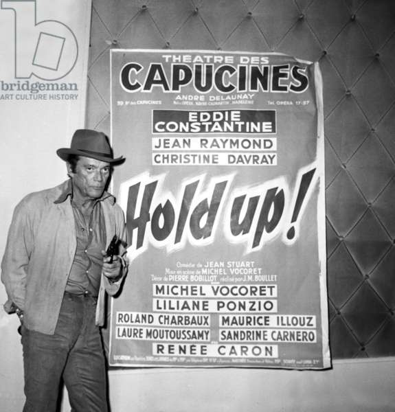 """French comedian Eddie Constantine during the rehearsal of the play """"Hold up !"""" 25 September 1972 (photo)"""