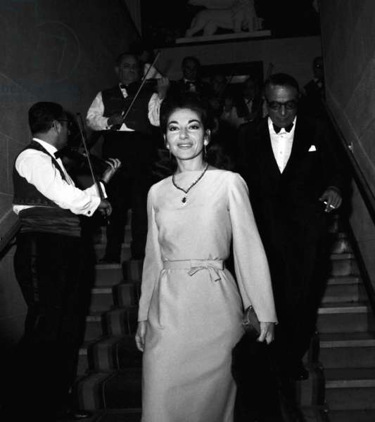 Maria Callas and Aristote Onassis at the Premiere of the Lido show, 20 December 1966 (photo)