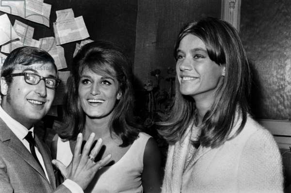 Francoise Hardy and Henri Tisot congratulating the Singer Dalida after the Premiere at the Olympia, 3 September 1964 (photo)