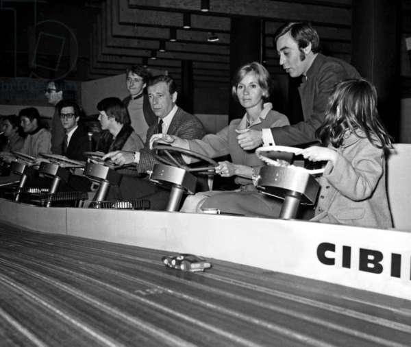 Yves Montand, Eva Marie Saint and Paul Pacini in Miniland, Paris, 7 March 1967 (photo)