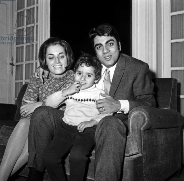 Enrico Macias with his wife Suzy and son Jean Claude December 2, 1966 (photo)