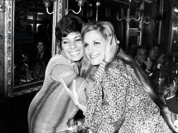 Shirley Bassey and Dalida at Michou'S in Paris December 4, 1975 (b/w photo)