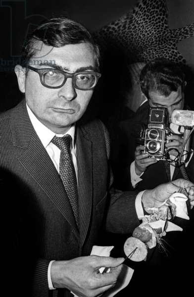 """French director Claude Chabrol at the Premiere of the film """"The Tiger Likes Fresh Blood"""", 18 November 1964 (photo)"""