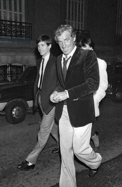 """Jean Paul Belmondo and his son Paul Belmondo at the Premiere of the film """"Trois hommes a abattre"""", 31 October 1980 (photo)"""