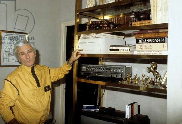 Marcel Amont at home, c. 1975 (photo)