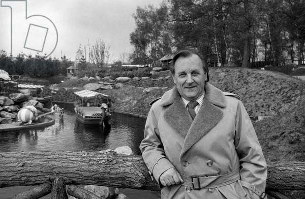"""Albert Uderzo at opening of the """"Parc Asterix"""", in Plailly, Oise, France, 19 April 1989 (photo)"""