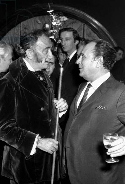 Salvador Dali and Tino Rossi at Maxim's Restaurant, Paris, on dece mber 3, 1968 (photo)