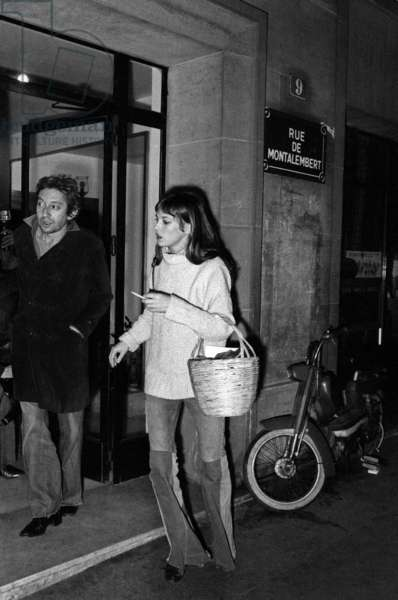 Serge Gainsbourg and Jane Birkin at Louis Hazan's house in Paris after his kidnapping, Paris, 6 January 1977 (photo)