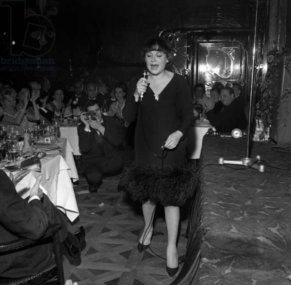 French Singer Regine at theCharity Gala organized by Maurice Chevalier, Maxim's Restaurant, Paris, 27 January 1965 (photo)